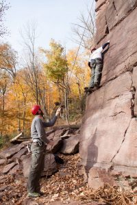 Belaying with poor posture and risk for belayer's neck